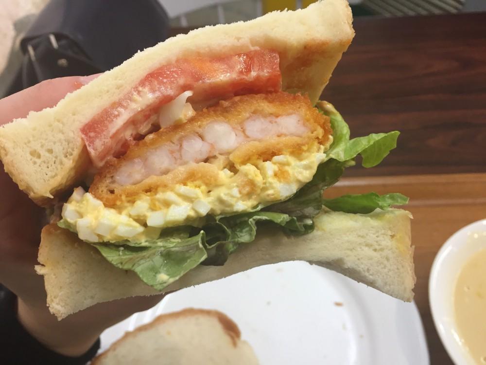 サンドイッチ 食べ たら 死ぬ